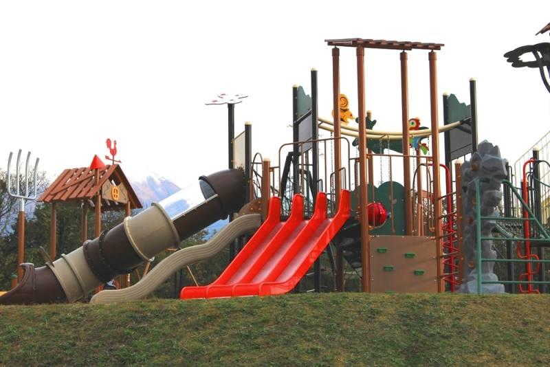 伯耆町総合スポーツ公園のすべり台